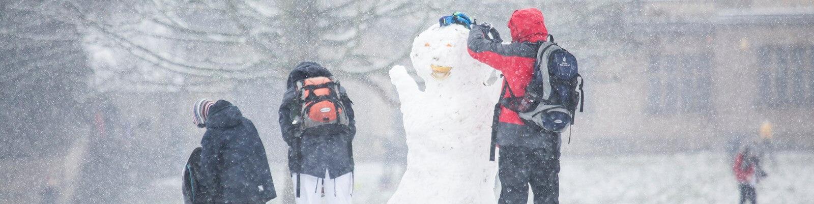 diana-parkhouse-1165995-unsplash snowday.jpg